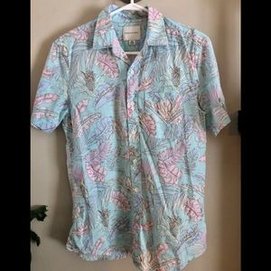 AEO Tropical print shirt